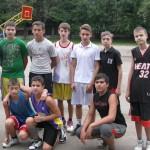 Играки в баскетбол